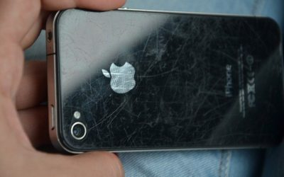 Comment réparer l'écran d'un smartphone fissuré, rayé ou cassé soi-même ?